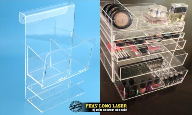 Thiết kế sản xuất làm kệ mica dùng để trưng bày sản phẩm, trưng bày mỹ phẩm theo yêu cầu giá rẻ