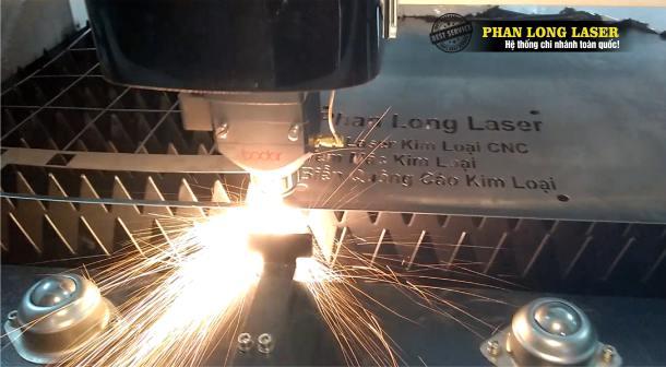Xưởng Phan Long Laser chuyên nhận cắt kim loại theo yêu cầu lên Inox giá rẻ