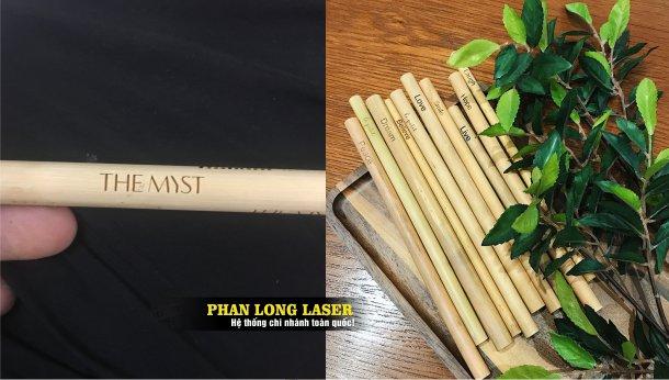 Địa chỉ nhận in khắc logo hoa văn in khắc laser lên ống hút tre nứa gỗ Tphcm Sài Gòn, Hà Nội, Đà Nẵng và Cần Thơ